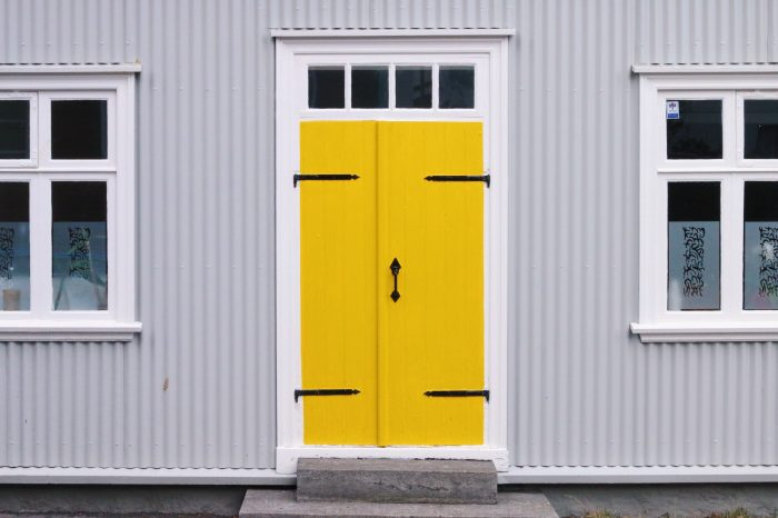 4 Simple Ways To Improve The Curb Appeal of Your Home